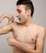 Pesarse y tomar medidas de nuestro cuerpo cada semana también es importante