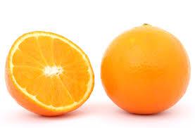 El zumo de naranja es ideal tomarlo con toda la pulpa