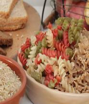 Todos los alimentos que aparecen en esta foto son perfectos para un día de refeed